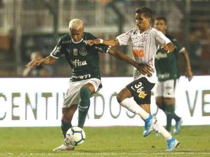 Palmeiras e Corinthians marcam no fim e clássico termina empatado