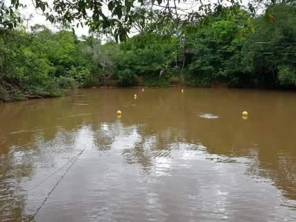Cor de lama, Rio da Prata expõe reflexo da exploração comercial