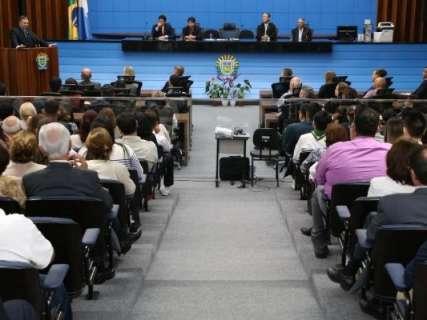 Deputados reclamam de vetos, mas mantêm proibições do governo