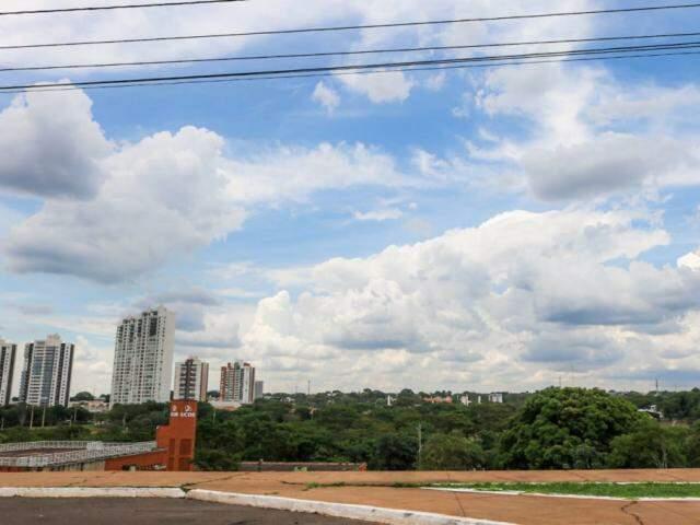 Inmet projeta céu parcialmente nublado a partir de terça-feira em Campo Grande (Foto: Marcos Maluf)