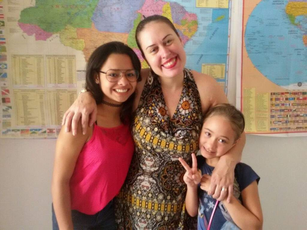 Andressa, Valéria (mãe) e Valquíria (irmã). (Foto: Arquivo Pessoal)