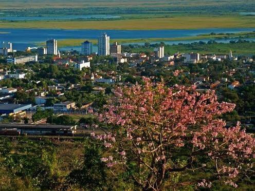 Vista aérea de Corumbá, onde beneficiários foram notificados pela Agehab. (Foto: Divulgação/Agehab)