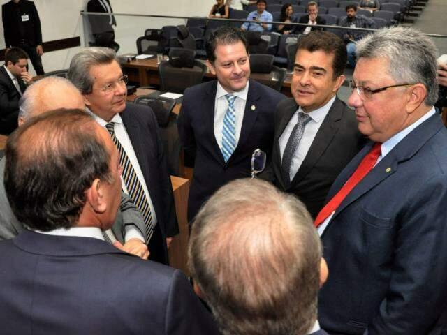 Deputados estaduais durante sessão (Foto: Luciana Nassar/ALMS)
