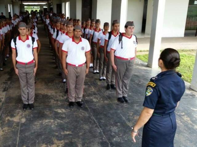 Na imagem, Colégio Tiradentes da Polícia Militar de Porto Velho. Escolas em MS serão baseadas em modelos que já funcionam em Goiânia, São Paulo e Paraná. (Foto: Divulgação)