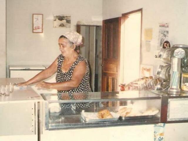 O bar nem nome tinha, mas ficou conhecido pela fama da dona, a Maria Sem Troco.(Foto: Arquivo Pessoal)