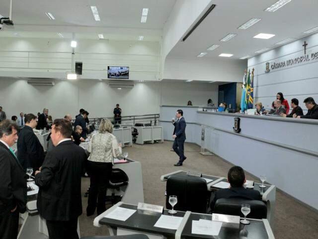 Somente proposta de mercados está em pauta para votação (Foto: Izaias Medeiros/CMCG)