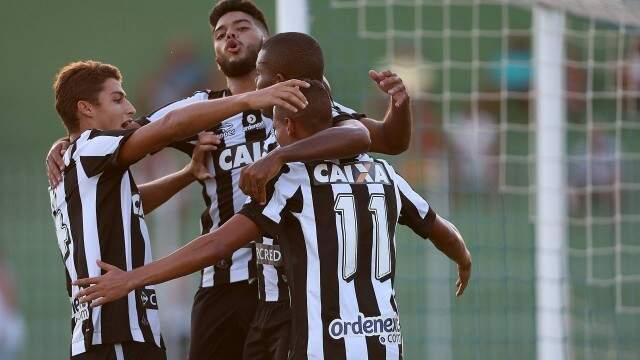 O Botafogo reagiu no segundo tempo e consolidou a virada. (Foto: Vitor Silva/SSPress/Botafogo)