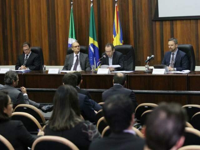 Evento está ocorrendo no Fórum da Justiça Federal em Campo Grande (Foto: Saul Schramm)