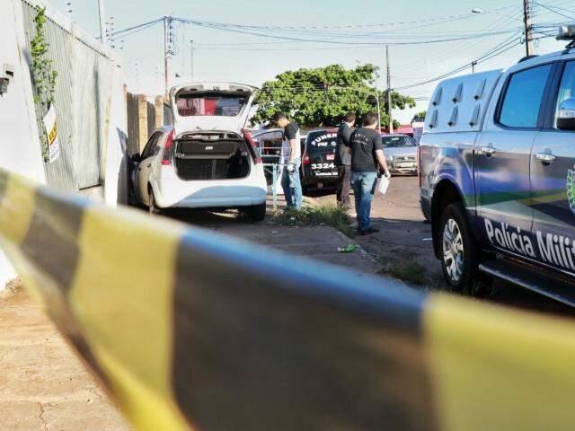 Homem de 48 anos foi morto com mais de 14 facadas. (Foto: Henrique Kawaminami)