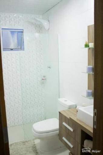Banheiro é o único cômodo que tem placas de cimento na construção