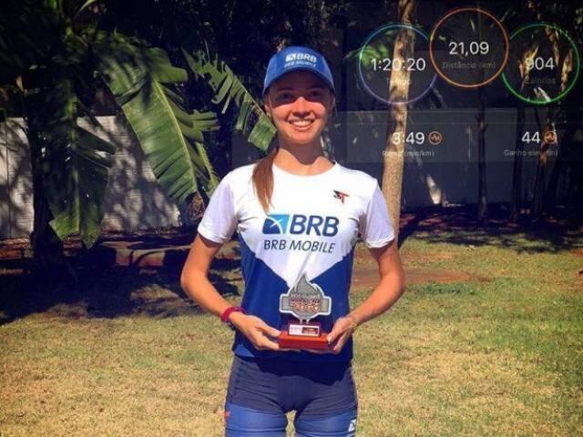 Gabriela Leticia Rocha venceu a prova feminina da Meia Maratona do Fogo (Foto: Arquivo pessoal)