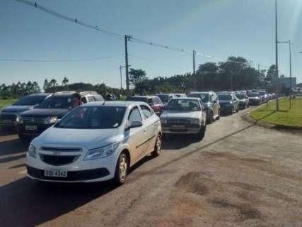 Servidores da UFGD em greve bloqueiam rodovia para protestar contra governo