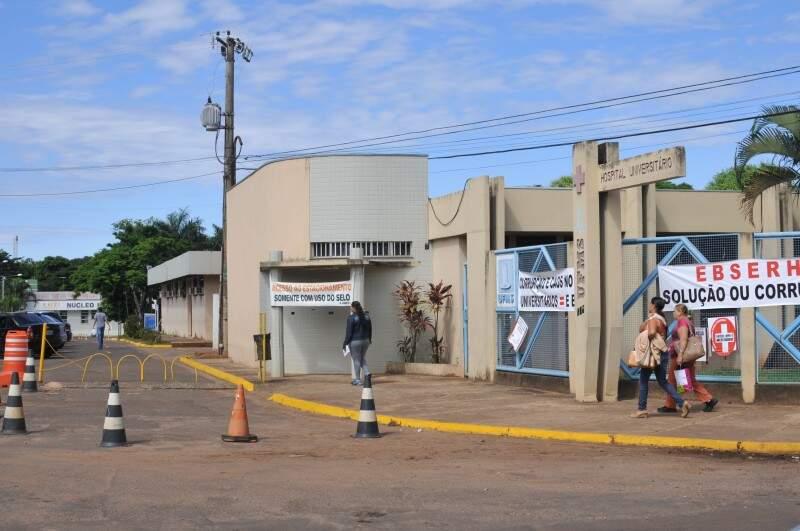 Hospital Universitário enfrenta superlotação em Campo Grande. (Foto: Alcides Neto)