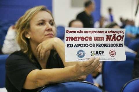 Vereadores apoiam professores em greve e dizem que reajuste não está na LDO