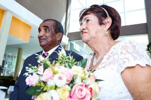 Roberto e Terezinha se unem em casamento comunitário no Santuário de Nossa Senhora do Perpétuo do Socorro. (Foto: Kísie Ainoã)