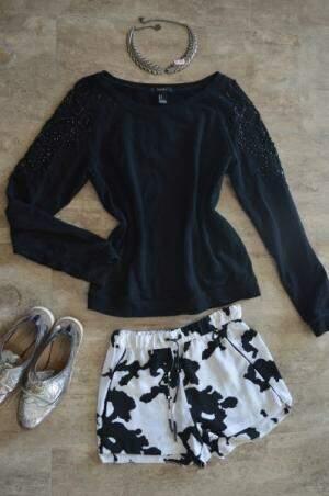 Moletom Zara - R$ 60 / Short Zara - R$ 15,00 / Colar - R$ 45