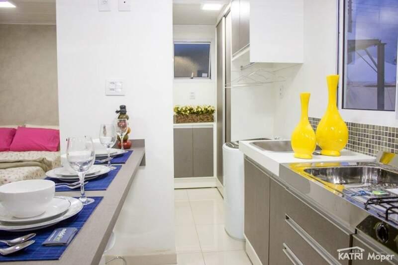 No estilo loft, a casa tem 24m² com cozinha e sala conjugadas