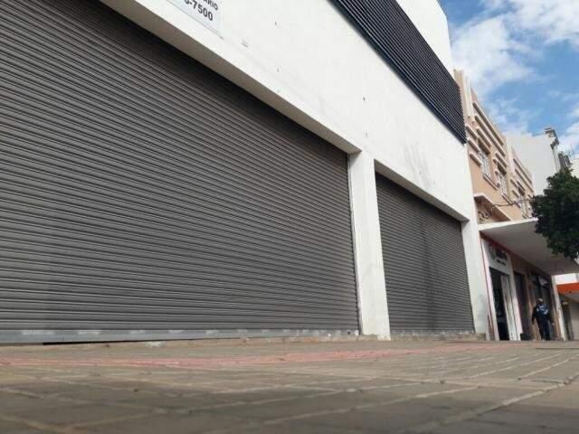 Este também é o terceiro maior fechamento de empresas dos últimos meses, atrás de agosto, que teve 359 extinções e julho com 438.(Foto: Ricardo Campos Jr.)