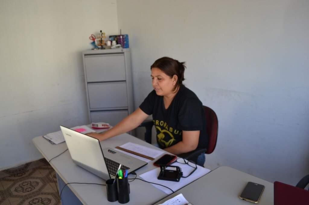 Atualmente Val trabalha no Recromasul de Campo Grande (Foto: Alana Portela)