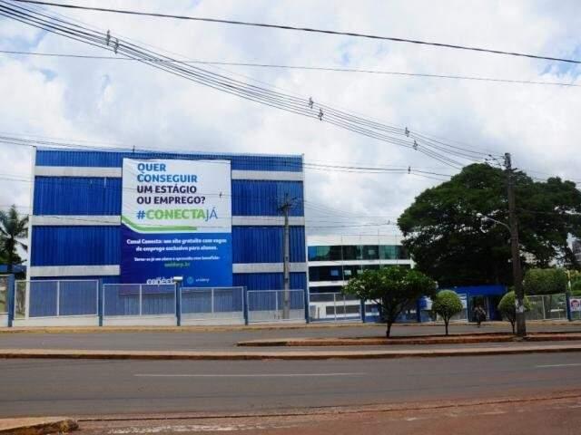 Uniderp está entre universidades que cancelaram aulas desta segunda-feira (Foto: Arquivo/Paulo Francis)