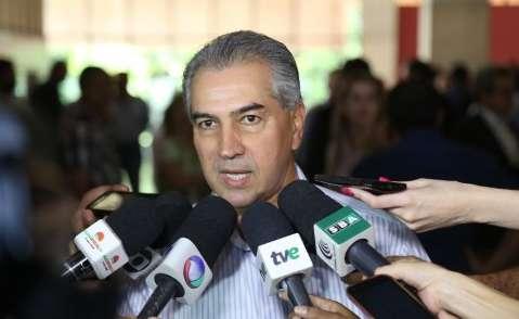 Reinaldo lança central de atendimento no Shopping Bosque dos Ipês