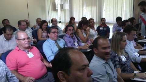 Governo diz que mantém diálogo e analisa melhoria sobre reajuste
