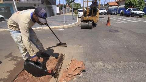 Prefeitura diz que operação tapa-buraco terá 5 equipes em cada região da cidade