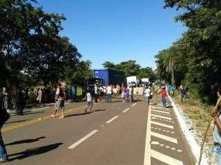 Cerca de 500 índios fecham trecho entre Aquidauana e Miranda na BR-262