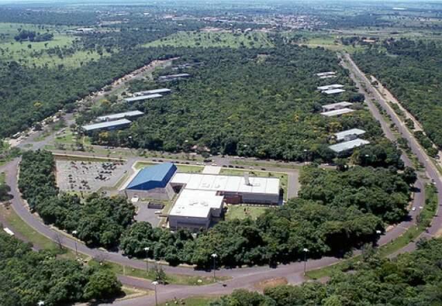 Vista aérea mostra centro administrativo do Governo do Estado encravado na área de influência da reserva do Prosa.