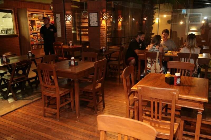 O espaço também teve de inspiração o bar paulistano especializado em jogos Ludus. (Foto: Adriano Fernandes)