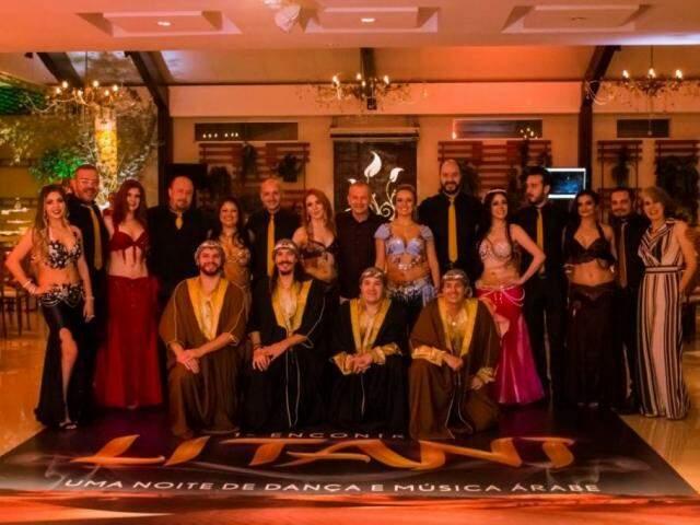 Grupo de dança do ventre Litani comemora 12 anos com jantar árabe em grande estilo (Foto: Henrique Kawanamwni)