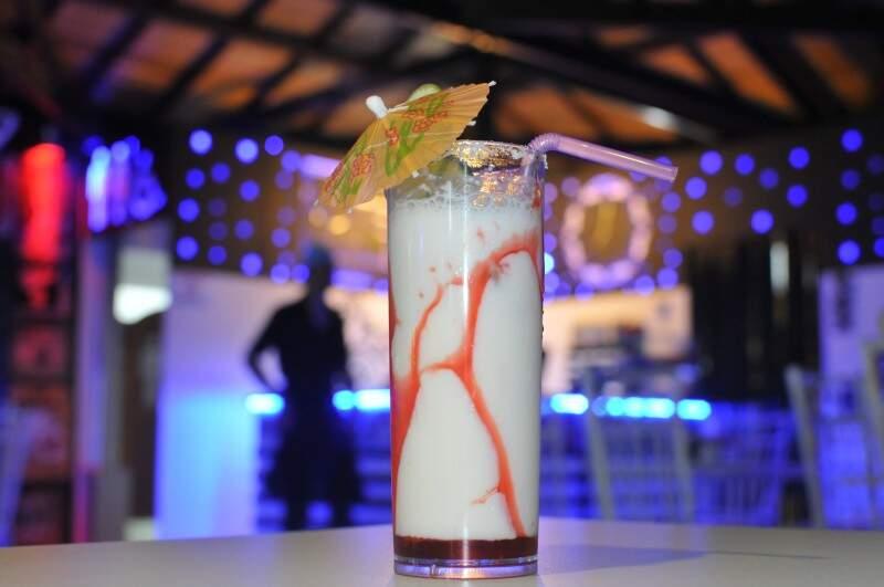Drinks e sucos também são especialidade da casa  (Foto: Alcides Neto)