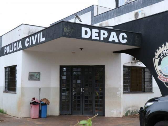 Presos foram levados para a Depac da Vila Piratininga. (Foto: Henrique Kawaminami)