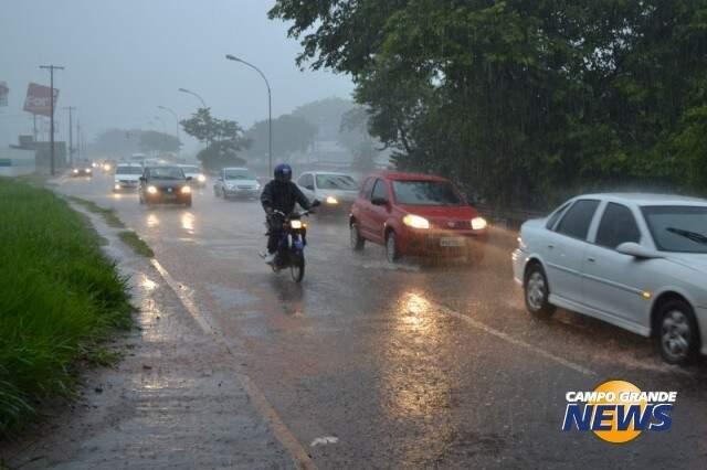Saiba quais os cuidados tomar ao dirigir na chuva
