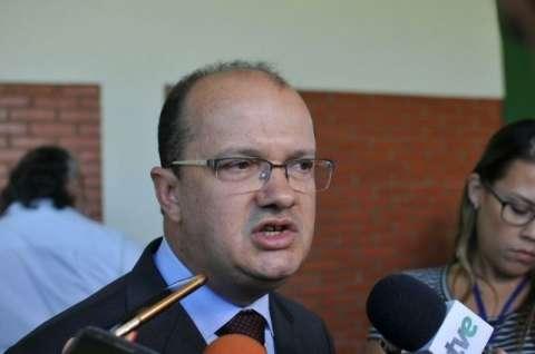 Secretário se reúne na segunda-feira com governador para agendar saída