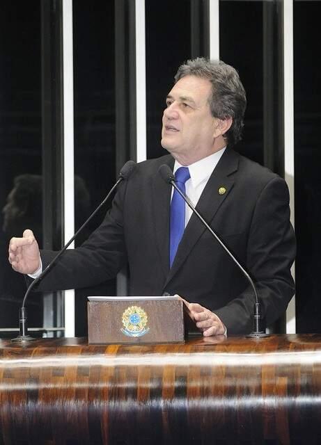 Senador Waldemir Moka durante pronunciamento no Senado nesta terça-feira. (Foto: Divulgação)