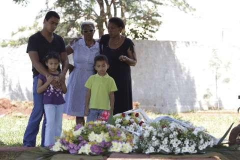 Burocracia emperra investigação sobre morte de decoradora em Campo Grande