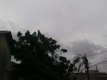 Tempo fica instável, temperatura cai e chuva aumenta nesta semana em MS