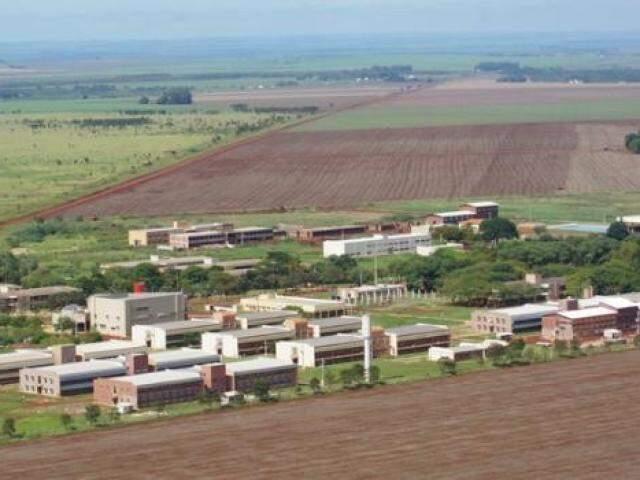 Do alto, campus da UFGD em Dourados. (Foto: Franz Mendes)