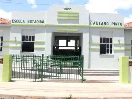 Governador entrega reforma de escola e participa de jogos indígenas