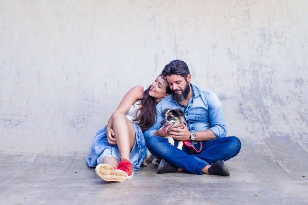 Casal adotou uma cachorrinha, Macarena (Foto: Arquivo pessoal)