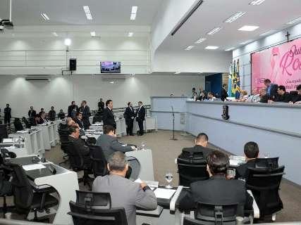 Vereadores aprovam remanejamento de R$ 98,3 milhões e mais 2 projetos