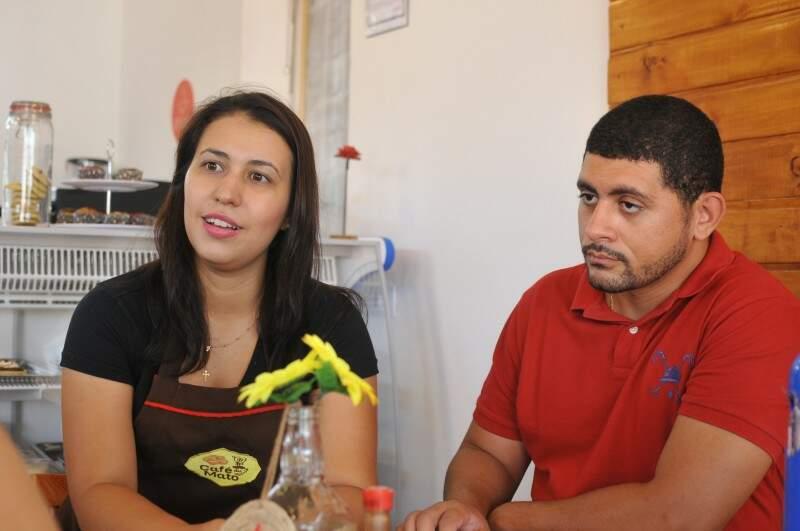 Cíntia e Aurimar namoram há 3 anos e decidiram encarar novo empreendimento juntos. (Foto: Alcides Neto)