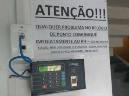 Estado prorroga aluguel de ponto eletrônico para controlar frequência