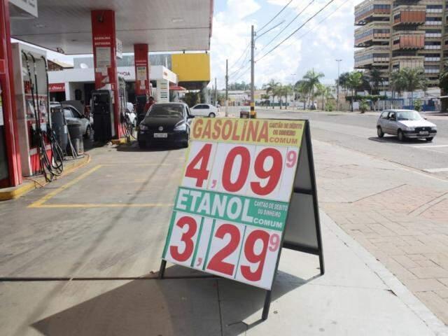 Preço do litro da gasolina sobe e passa dos R$ 4 em Campo Grande (Foto: Paulo Francis)