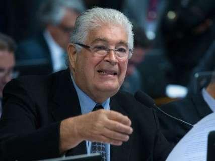 'A vaca foi para o brejo', diz senador do PMDB após denúncias contra Temer