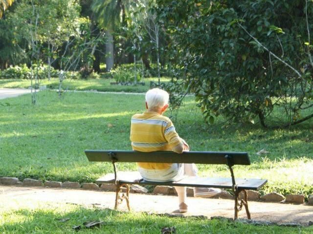 O Alzheimer é uma doença que tem uma particularidade, em que a informação e o acolhimento, faz toda diferença. (Foto: Pixabay)