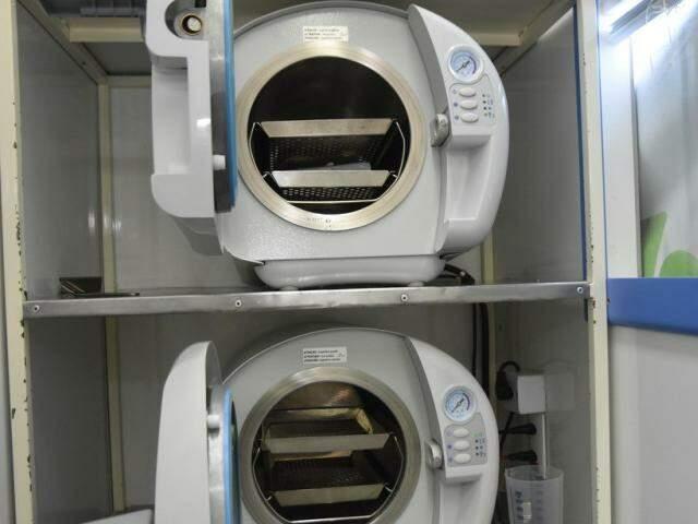 Autoclaves garantem esterilização (Foto: Jéssica Barbosa/Divulgação Governo)