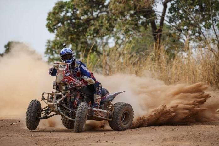 Quadriciclo em ação na terceira etapa do Rally. Hoje a parada é em Barra do Garças, no Mato Grosso, e amanhã será a vez de entrar em Mato Grosso do Sul (Foto: Divulgação)