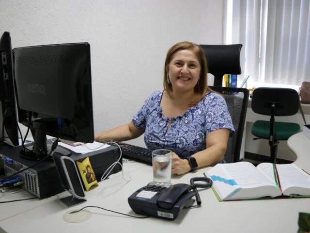 Juíza Elizabeth Anache foi eleita pelo Tribunal Pleno desembargadora; ela será a sexta mulher a compor a Corte e a primeira por merecimento. (Foto: TJMS/Divulgação)